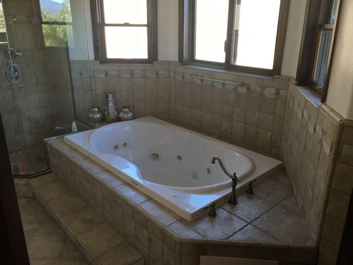 Full bath | Wellness retreat recovery center